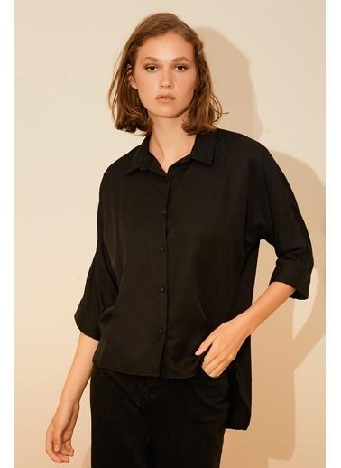 Reyon Altı Püsküllü Kadın Gömlek Siyah Siyah
